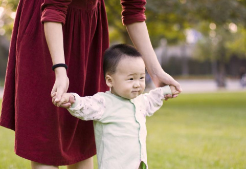 婴儿湿疹怎么办?宝宝湿疹反复应该怎么护理?
