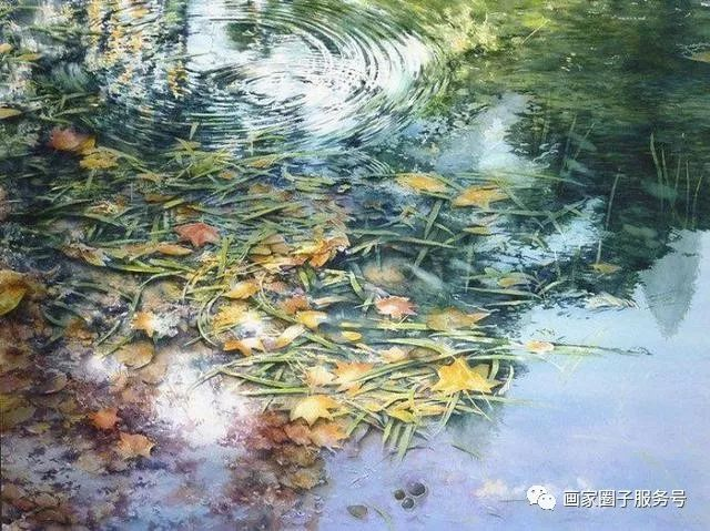 他擅长以自然景色入画,以情造境,用画笔记录身边的风景,描绘光的节奏