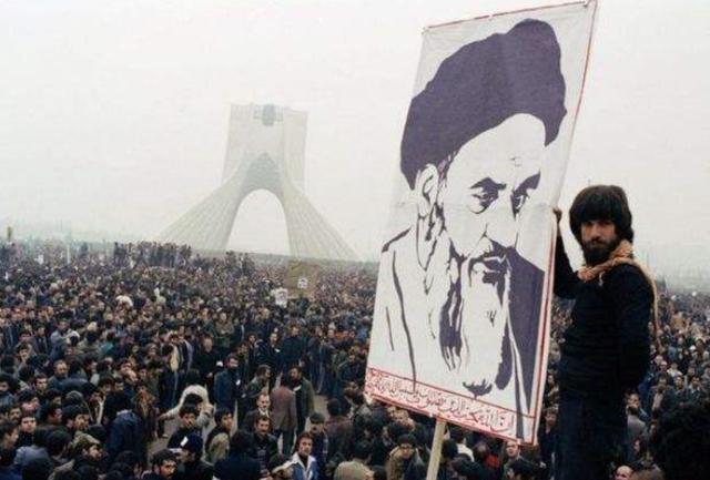 中东有24个国家,为何只有伊朗走向了政教合一?