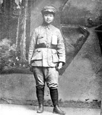 曾宪植有几任丈夫_她曾是彭老总的上级领导,如果没有牺牲,应授开国女上将_胡筠