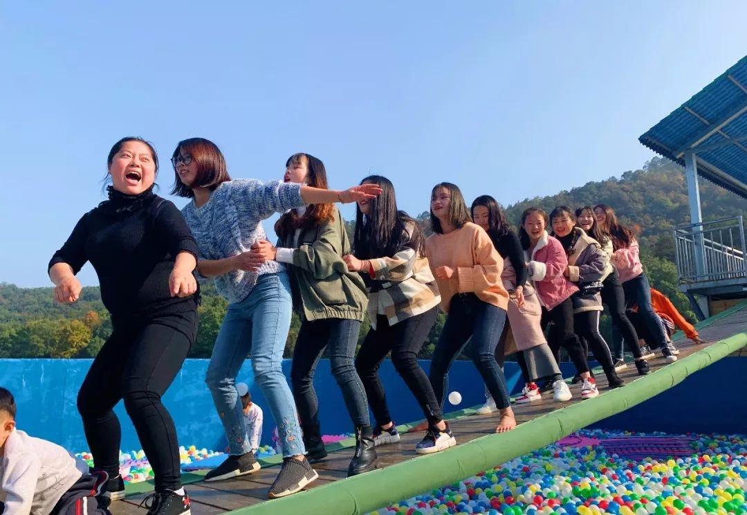 长沙石燕湖网红摇桥千奇百怪的糗态让你甩走烦恼释放快乐!
