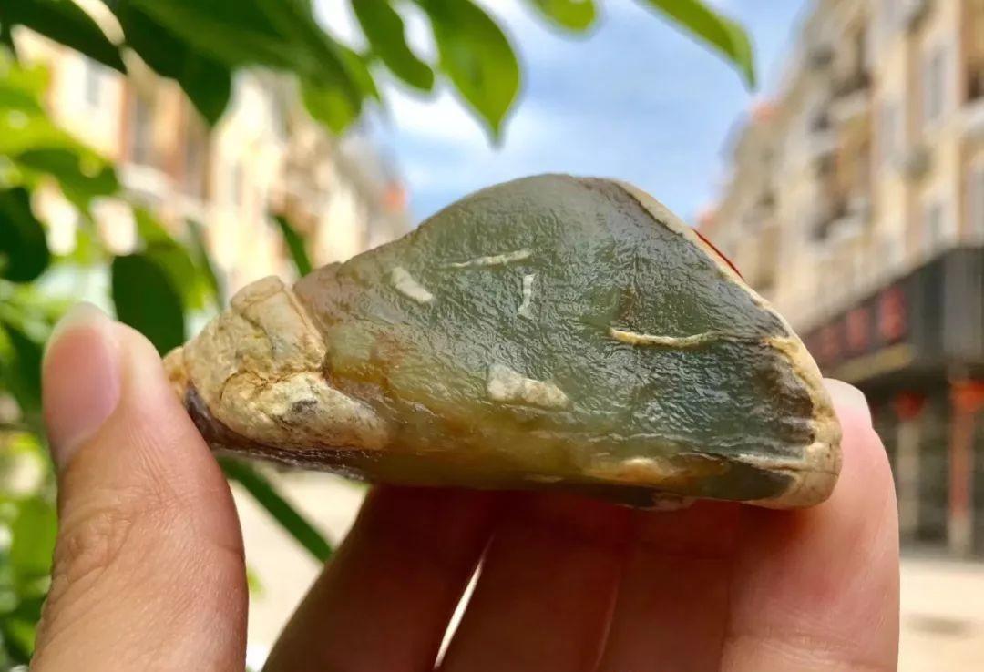 翡翠原石,这块小冰块谁看了都喜欢,我不信你不喜欢