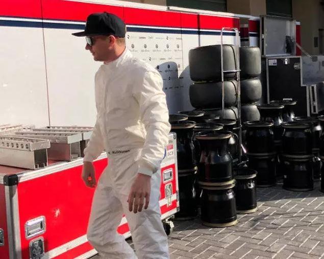 高颜值!2019新赛季F1最帅搭档,索伯车队老帅哥+小鲜肉吸引眼球