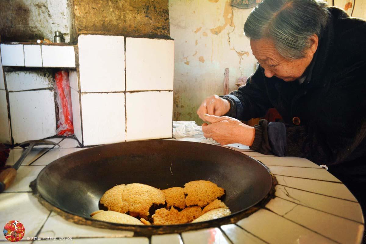 皖南传统特色美食,宣城农妇自制农家土灶锅巴