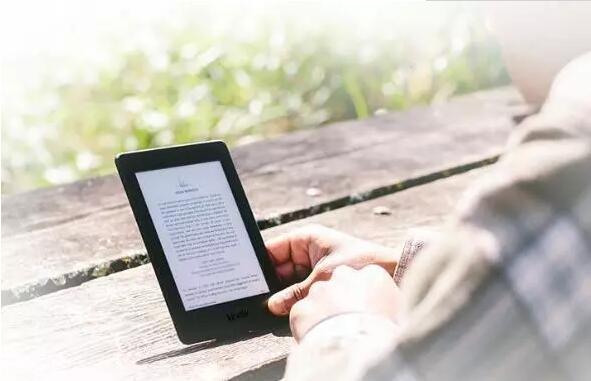 阅文市值腰斩后一直未翻身,网络文学是真繁荣还是假昌盛?