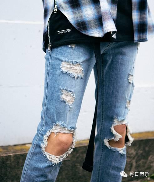 装配牛仔裤_比普通牛仔裤个性,也不会有任何违和感, 和普通的休闲装配就能凹出