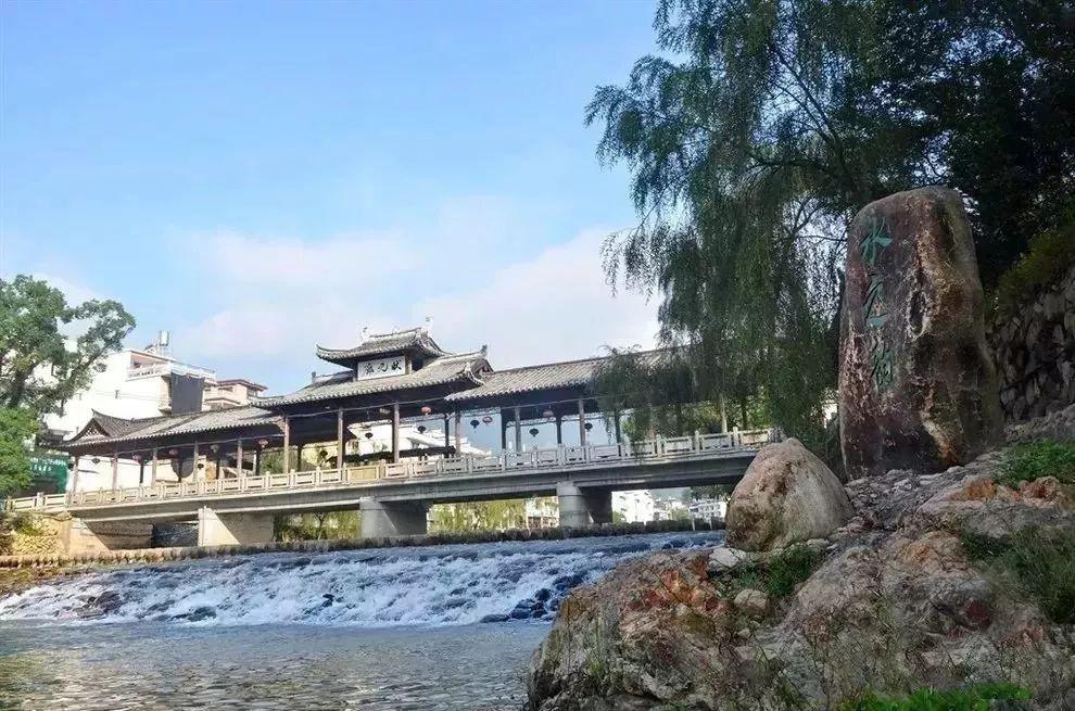 寿宁西浦水利风景区位于福建省宁德市寿宁县犀溪镇,依托犀溪河道整治