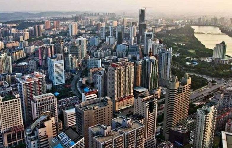 长江下游三角洲经济总量前三的城市名称