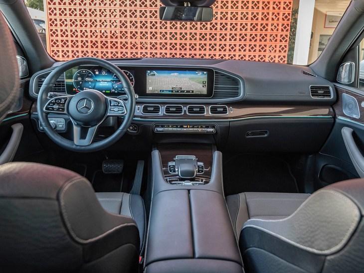 宝马X7全新马自达3领衔 洛杉矶车展这7款新车2019年将入华_广东快