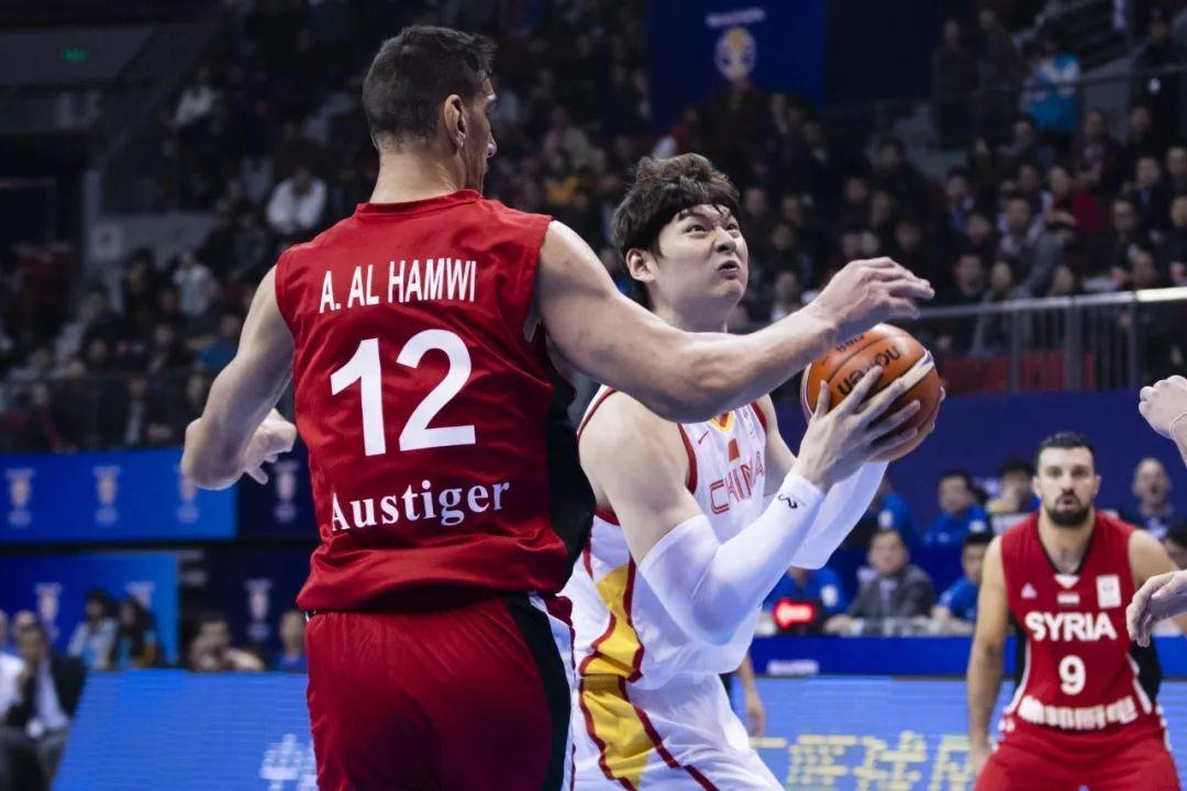 【化妆品】王哲林12分9篮板5盖帽,世预赛中国男篮101-52大胜叙利亚