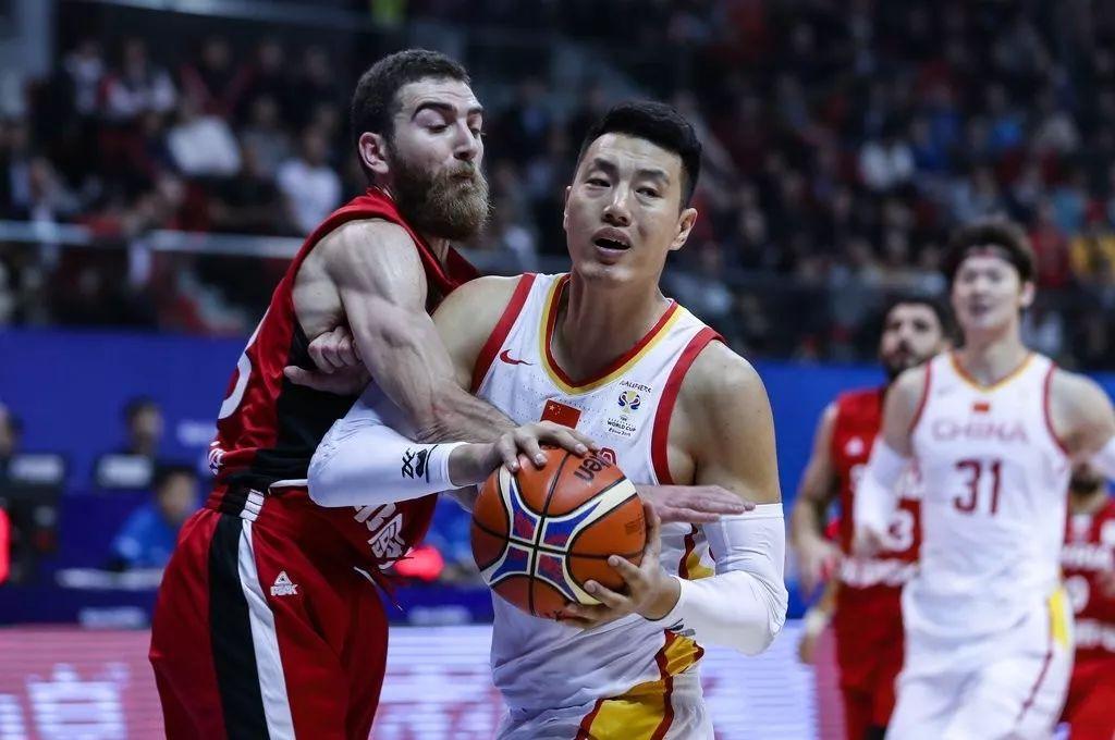 红蓝两队合并首秀 中国男篮大胜叙利亚