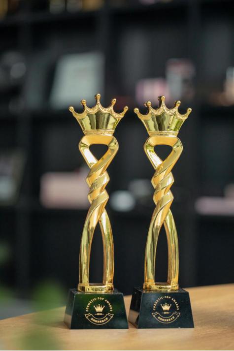 年底再揽两大奖项,泰妆Mistine2018年交出完美答卷