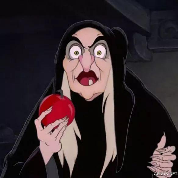 白雪公主吃下了毒苹果图片