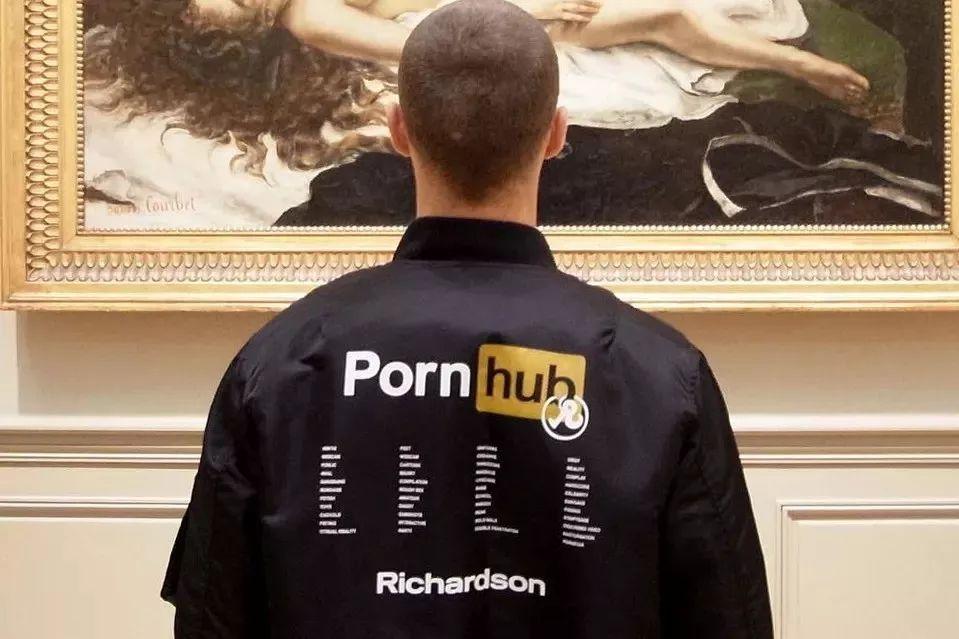 porn999_pornhub合作是为了继续探索艺术,性和文化间的交流.\