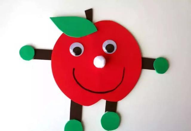 小小传承人:幼儿园环创当下最应景手工是啥嘞?大红苹果