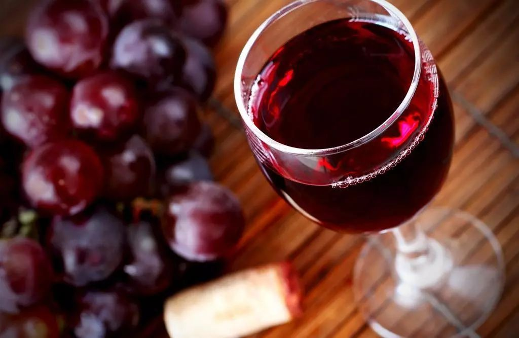 想不到吧!红酒不仅好处多多,入菜还颇具风味