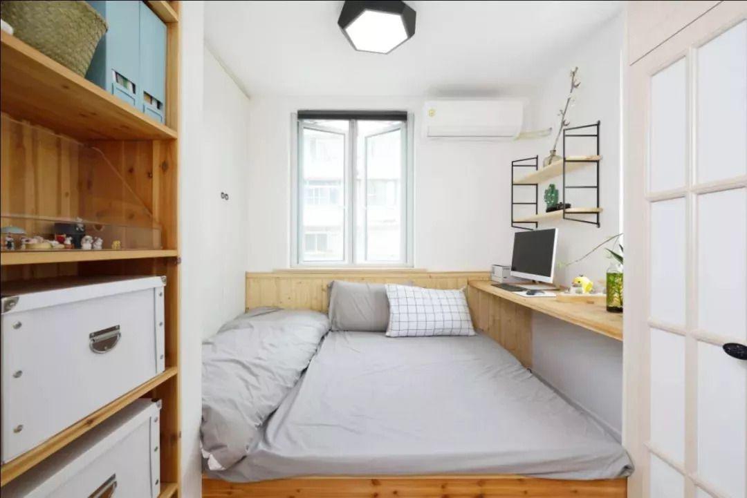 △靠窗位置做悬空书桌,侧边则是收纳架,也是非常的实用大方.图片