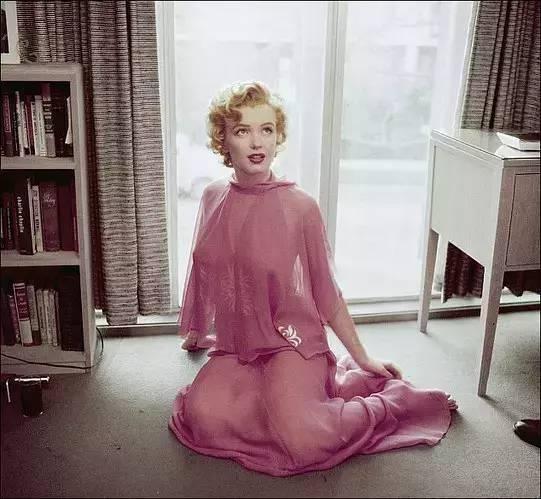 美了半个世纪,她曾为取悦男人,摘下了自己的两条肋骨-華夏娛樂360