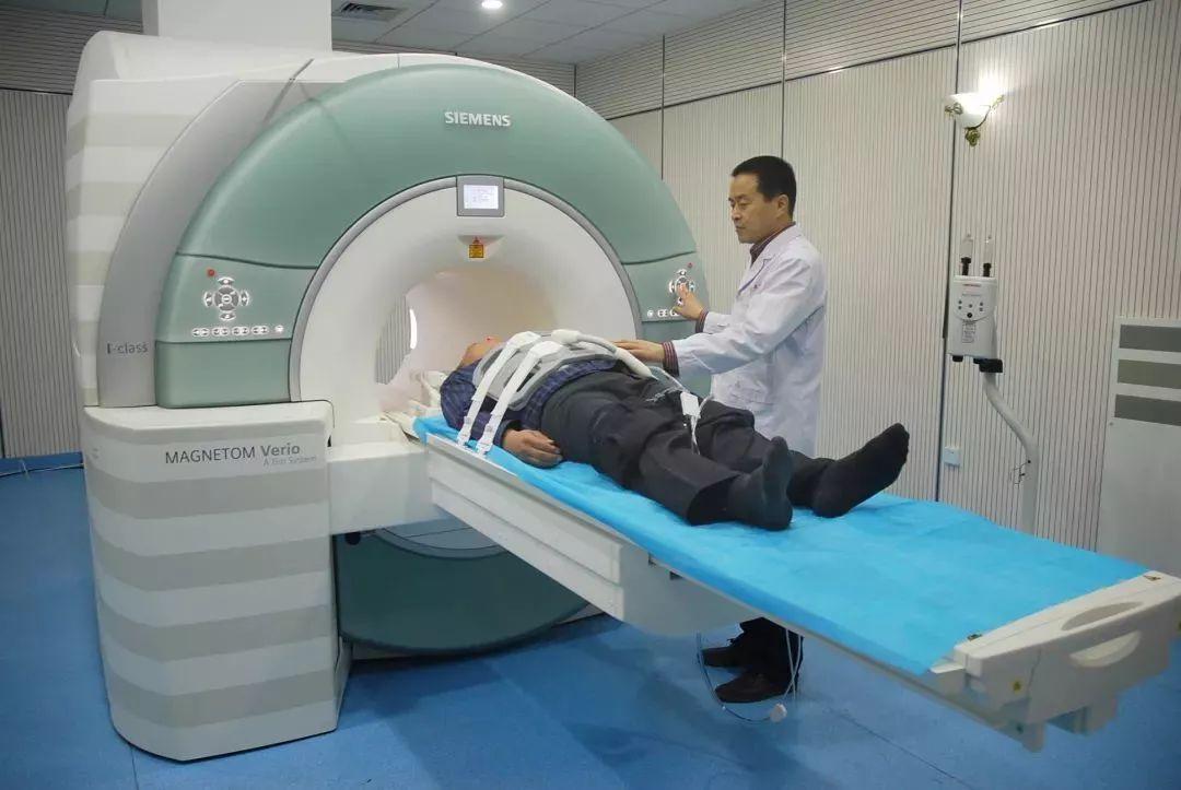 為什麼癌症發現都是晚期?因為很多中國人都在假裝查癌!其實壓根沒做對!