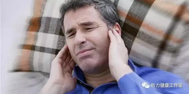 耳朵后面长了一个硬包怎么办