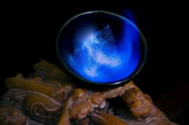 游戏 正文  一叶心海自在如蓝 冰蓝木叶天目盏 要知道市面上的木叶盏图片