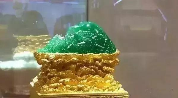 一周翡翠大赏_冰种满绿翡翠香炉重器之美