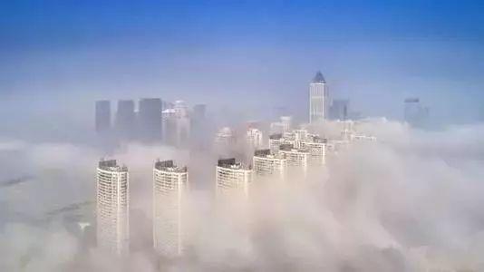 想要冲破这平庸的生活, 梅赛德斯-奔驰gla与你一起, 穿透迷雾的桎梏