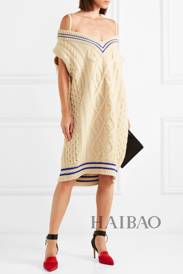 (maison margiela) 大廓形露肩绞花针织羊毛混纺中长连衣裙:$635图片
