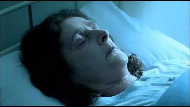 豆瓣7.8,這部奧斯卡獲獎短片告訴你,上帝不總在一個地方幫你