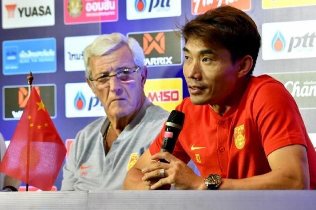 国足反常态将安排大量体能训练张琳�M郑智参训