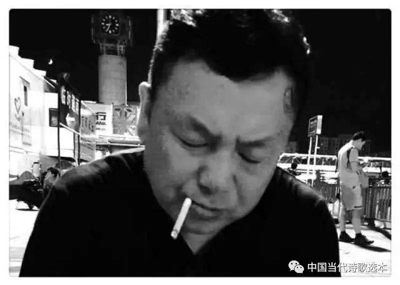 和刘钱做爱_中国当代诗歌选本--刘不伟诗歌
