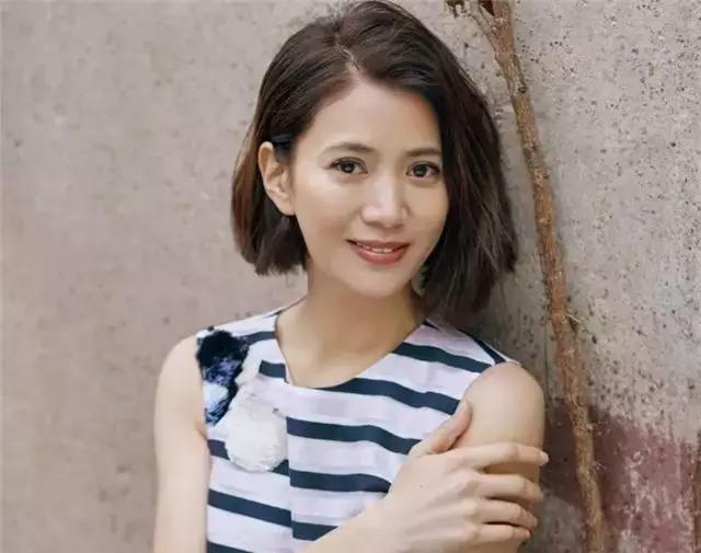 """张曼玉号称""""张一打"""",不过1994年的袁咏仪比她还要厉害一点"""