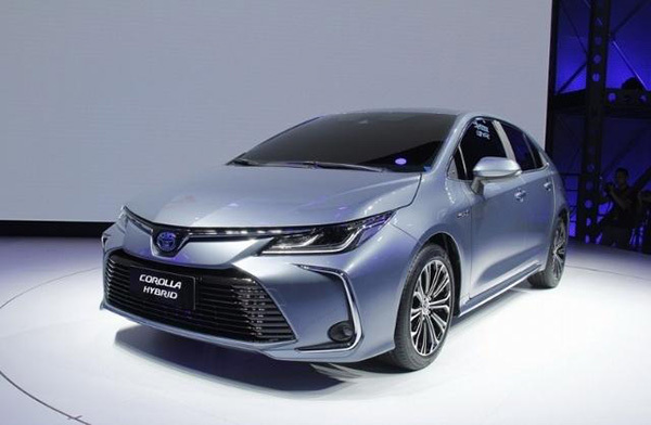 新卡罗拉现身为中国车主作更多变化不同的外观和超大屏很吸引
