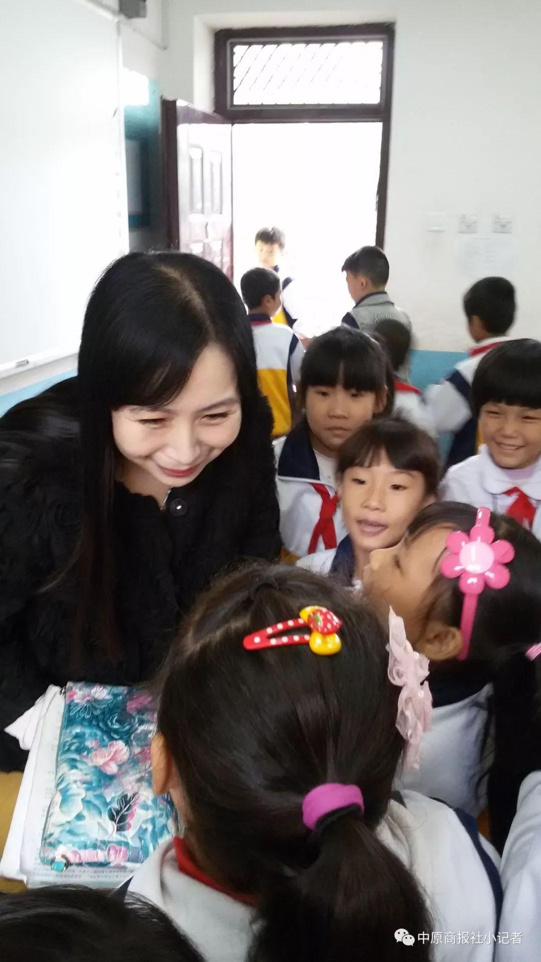 邯郸丛台区外国语小学开展红领巾小书虫读书活动