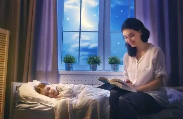 老妈通奸故事_睡前给孩子讲故事,真的会影响孩子的一生!
