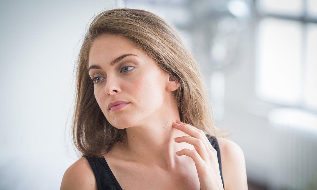 CMC皮肤管理告诉您:天冷了洗脸是用热水好还是冷水好