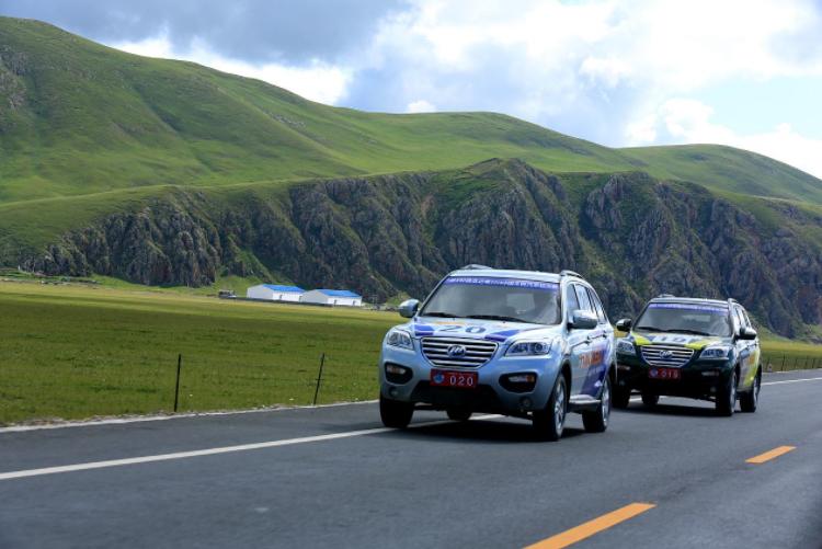 在川藏高速上自驾,注意别搭理这两种姑娘,否则容易吃亏