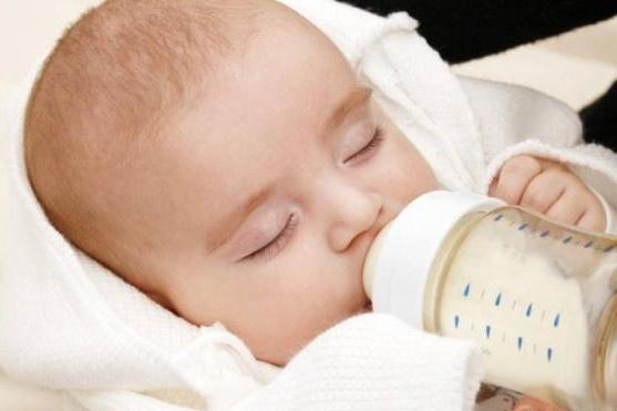 """孩子什么时候""""断奶""""最好?专家告诉你答案,不是八个月和一岁"""