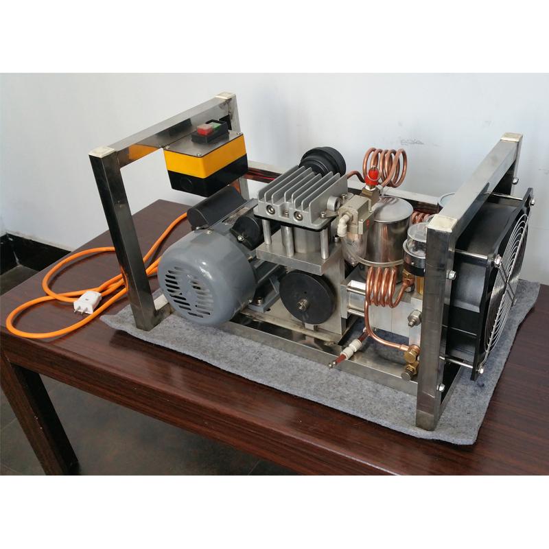 tfl-30高压氮气增压装置与传统气动增压泵的区别图片