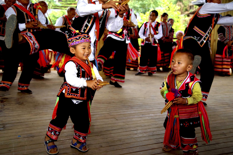中国最神奇的小镇:村民从未学过音乐,80%的人都会吉他