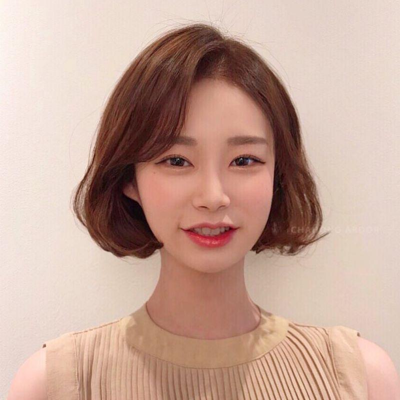 时尚 正文  宋慧乔新发型 自然刘海 过耳低层次短发  乔妹这款短发,很图片