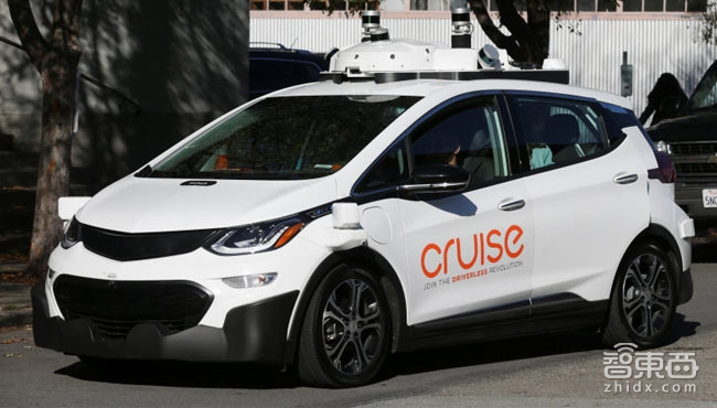 谷歌研发10年后,无人出租车开始收费