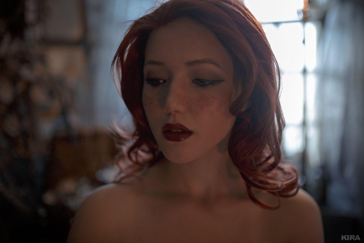 俄羅斯美女COS《巫師》特莉絲 酥胸半露性感誘人 4
