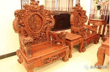 红木沙发款式-原木护墙板