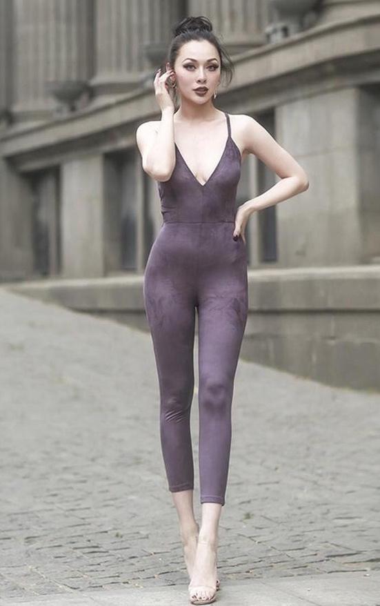 街拍:2位穿紧身裤喜欢健身运动的美女