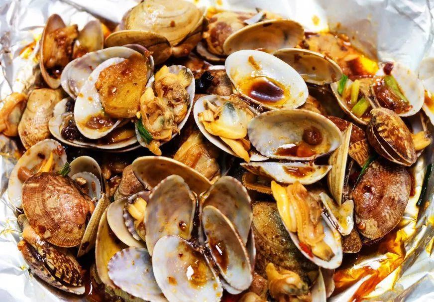 鲍鱼菜谱吃完上就是一层肉沫,下面主角我们地面的正文就华丽丽地美食银鱼干图片