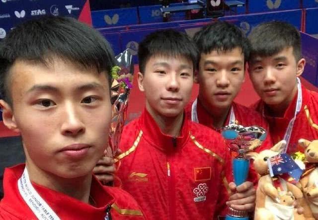 张本智和克星横空出世,3-0完胜日本小将,3连胜助国乒世青赛夺冠