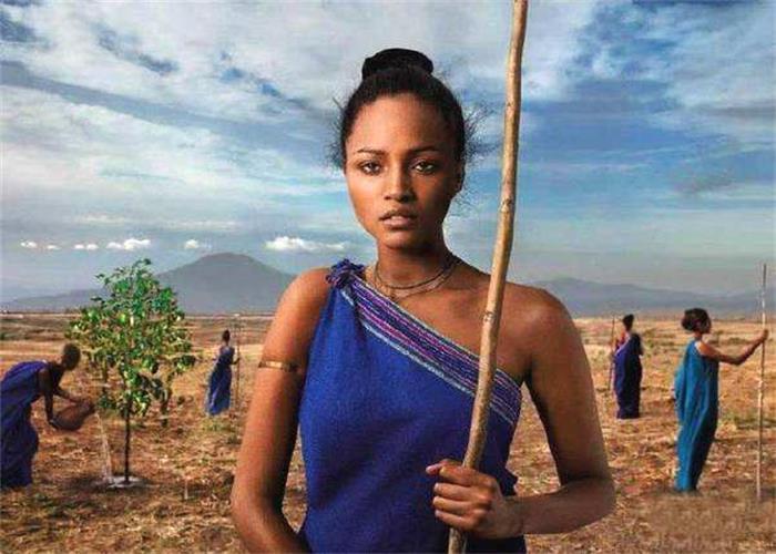 非洲肌肉女_这就是世界上最贫穷落后的非洲.