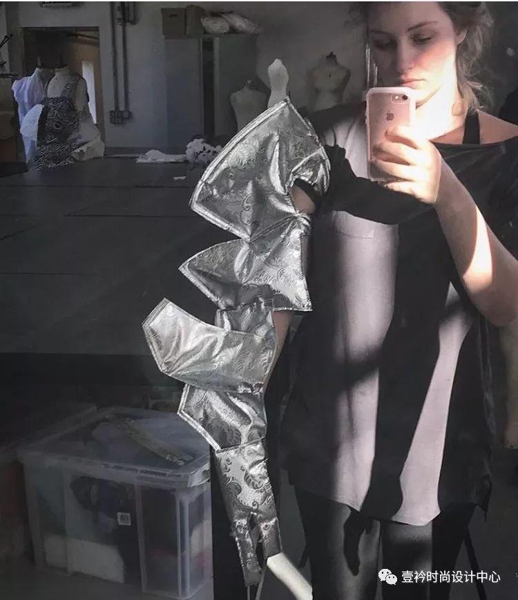會講故事的服裝|看倫敦時裝學院MA戲服設計專業十周年作品大展