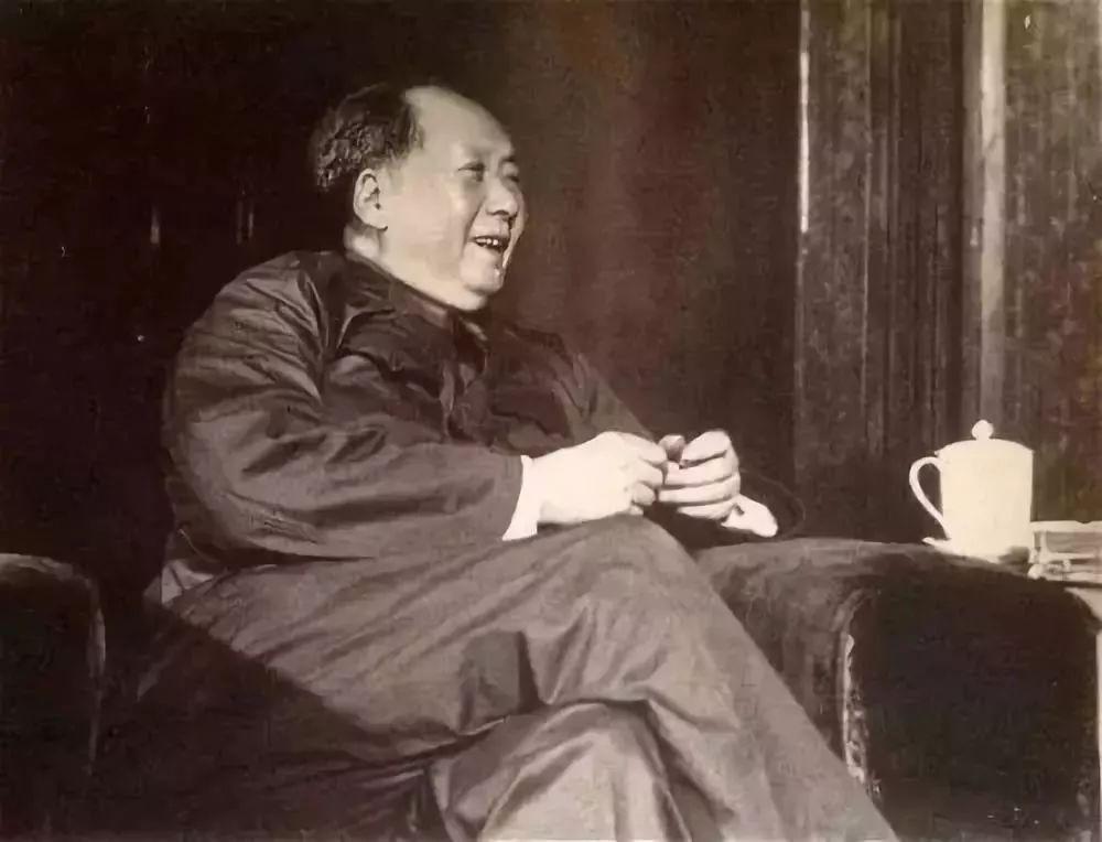 现代名人成功故事_近代名人与茶的的故事